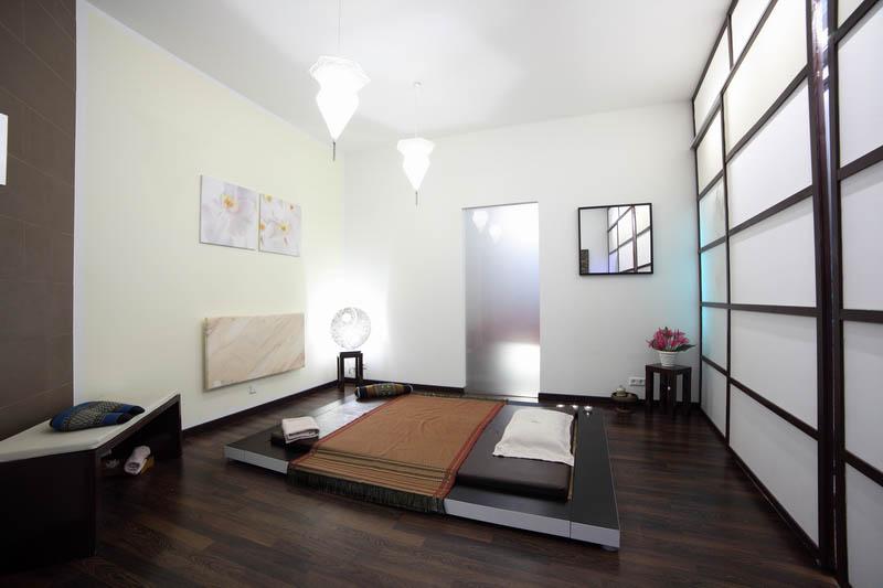 Behandlungszimmer für Massage-Behandlungen in der Praxis
